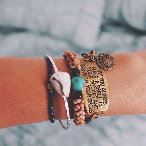 May I always have that bracelet on my wrist, too... (Photo by @hayhayhaylo on Instagram)
