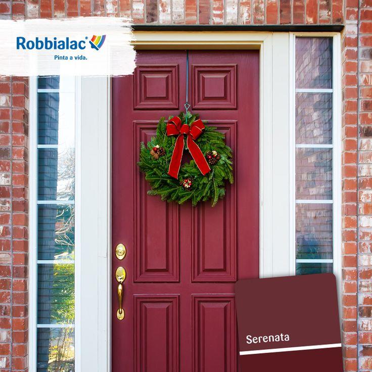 Proteger a sua porta de madeira das adversidades exteriores. Para manter a sua cor só precisa de aplicar o nosso SMP ACQUA. A sua porta vai ficar pronta para deixar entrar o Natal! Descubra-o numa loja perto de si em http://on.fb.me/1tZCcLZ.