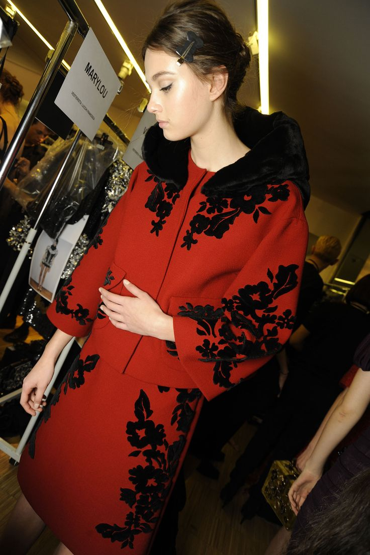 Dolce & Gabbana Woman Runway Backstage Photo Gallery – Fall Winter 2014 2015
