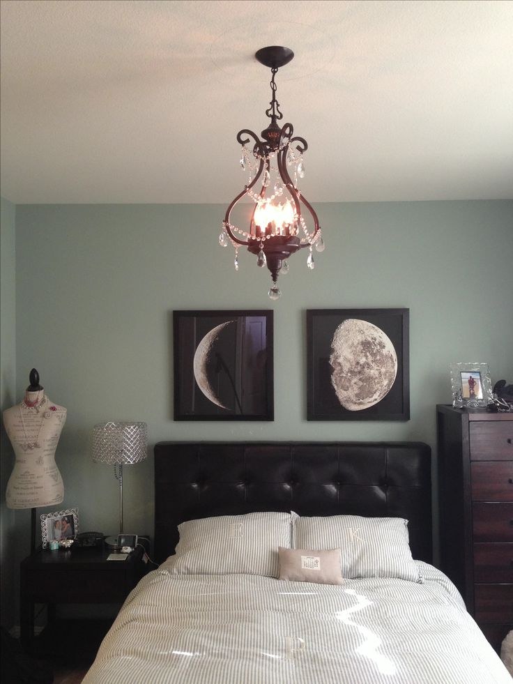 Beautiful bedroom decor... love the Moon canvases <3