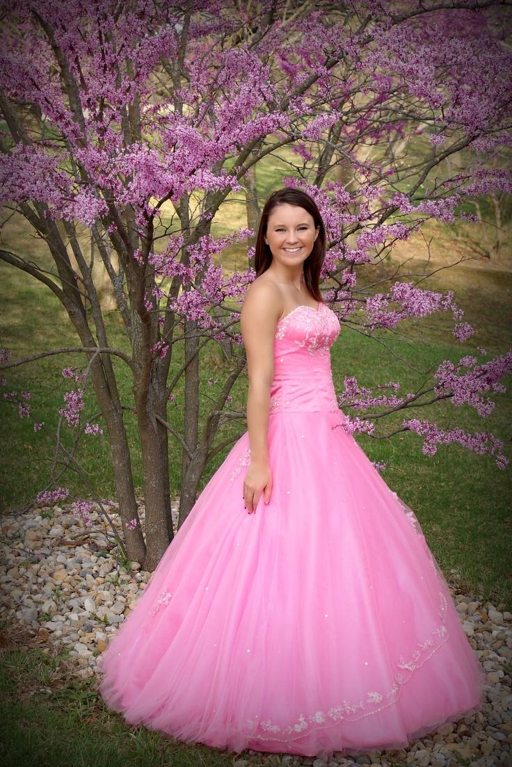 Love those prom dresses