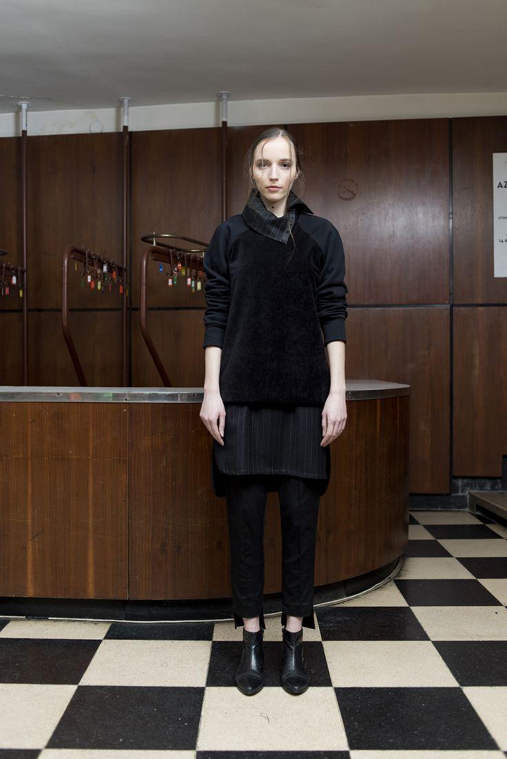MEI KAWA | Corduroy Detail Raglan Sweatshirt