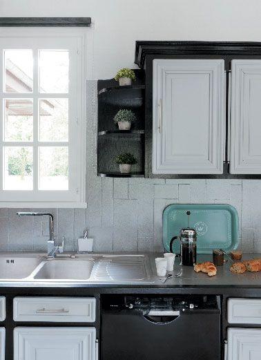 Peinture pour meubles de cuisine gris galet et noir photo après