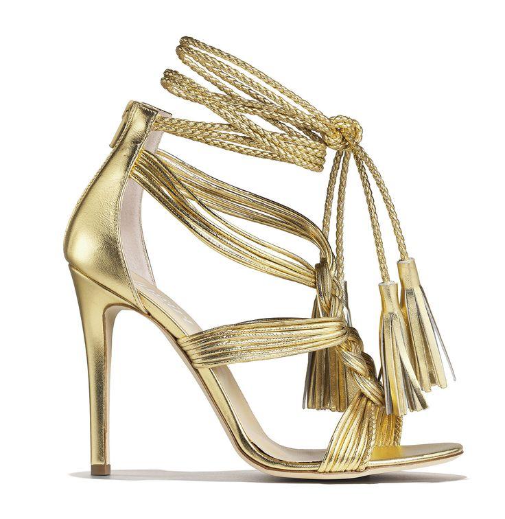 Sandalo in pelle oro con laccio intrecciato e nappine   -cosmopolitan.it