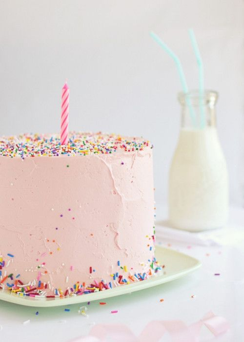 Ten Ace Cakes To Swoon Over  (via Sweetapolita – Love, Cake & Sprinkles)Births Day, First Birthday Cake, Birthday Parties, Kids Birthday Cake, First Birthday Photos, Pale Pink, Pink Birthday, Simple Cake, Pink Cake