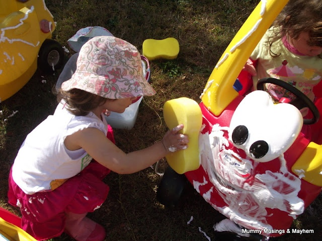 Car Washing Toddler Style! An easy outdoor activity for toddlers!