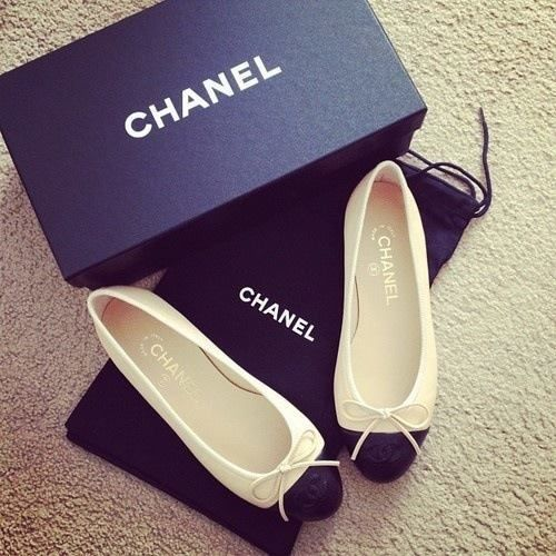 Chanel Flats fashion girl shoes pretty girls chanel shoe flats fashionable cute shoes