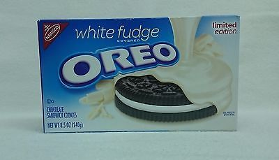 1 Nabisco Oreo White Fudge Sandwich Cookie - Sell by date APR.02.2017