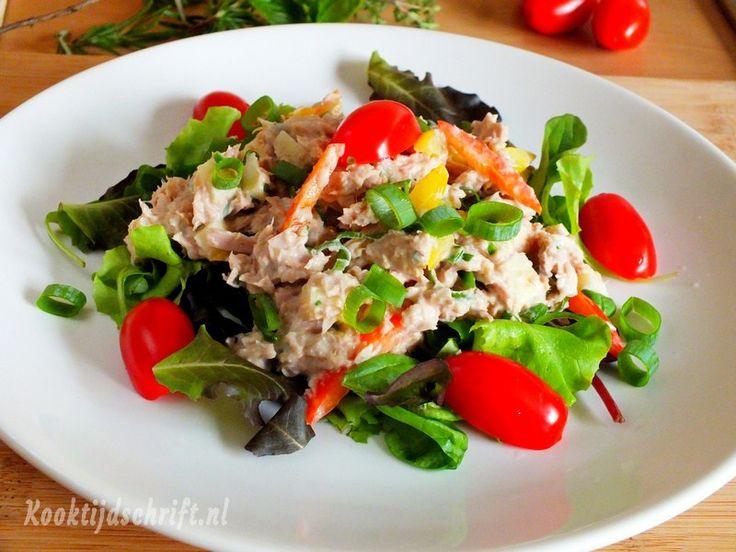 """Tonijnsalade, de lekkerste tonijnsalade ooit, door de appel krijgt deze tonijnsalade een heerlijke frisse """"bite"""
