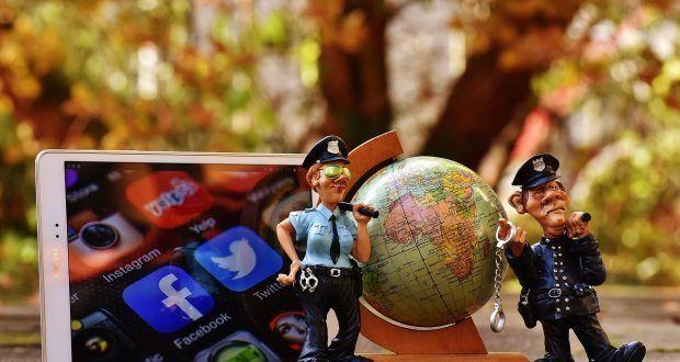 L'audio dei video di Facebook inizierà in automatico https://www.sapereweb.it/laudio-dei-video-di-facebook-iniziera-in-automatico/        Attraverso unannuncio sul proprio blog, Facebook hacomunicato una serie di cambiamenti alla propria piattaformavideo. Fra i più interessanti (e contestati) troviamo una modifica riguardantel'audio nei video. Facebook Sembra infatti che nel prossimo futurol'audio partirà in...
