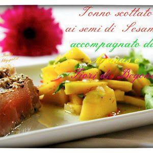 Tra Cucina & Realtà: Tonno scottato ai semi di Sesamo accompagnato da Ananas ai fiori di Begonia http://cucinaerealta.blogspot.it/2015/06/tonno-scottato-ai-semi-di-sesamo-accompagnato-da-ananas-ai-fiori-di-begonia-tra-cucina-e-realta-lisa.html