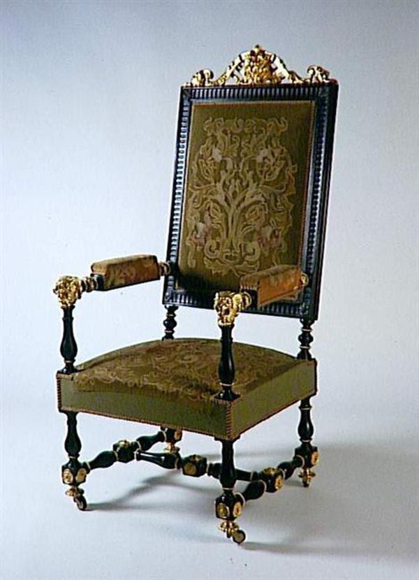 Louis-Philippe style : Claude-Aimé Chenavard (1798-1838), Pair of armchairs, c. 1835, Blackened wood, gilt bronze, Musée du Louvre, Paris.