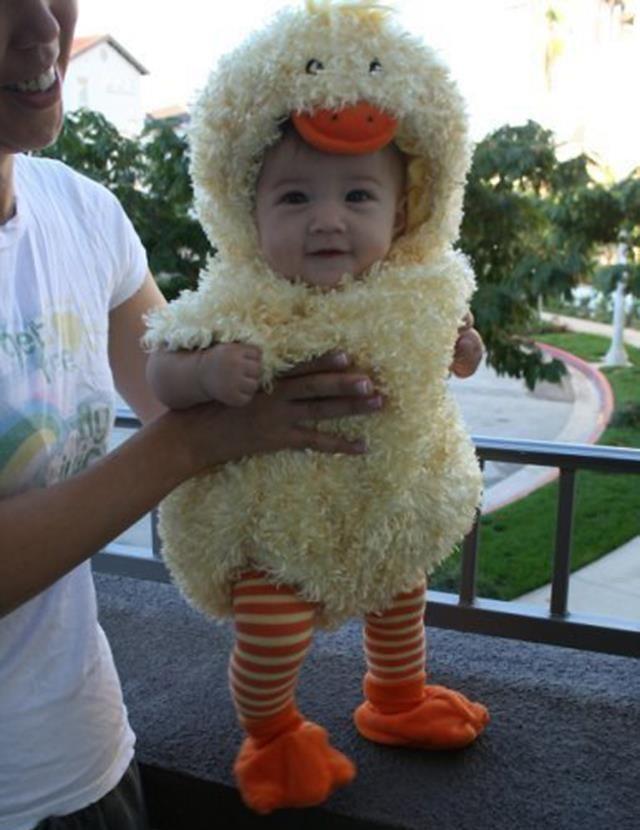 Adorable chic costume.   #costume #baby #inspiration #halloween #tricks #treats #babysdream