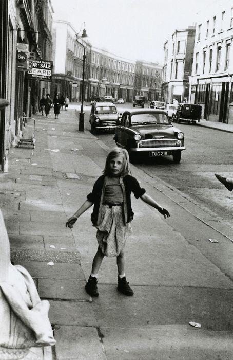 Roger Mayne, Kensal Road, 1957