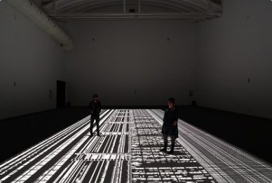 Japanese electronic composer and visual artist, Ryoji Ikeda provides a total immersive and sensory experience. Projectors delivered by projectiondesign!