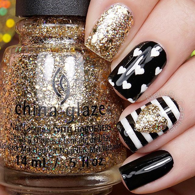 nailart: hearts + stripes in black / white + gold glitter @nailsbycambria