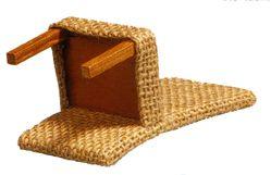 Voor het zagen van de enigszins gebogen rug is een volwassen lintzaag onontbeerlijk.   Mocht dit een bezwaar vormen maak de stoel dan met...