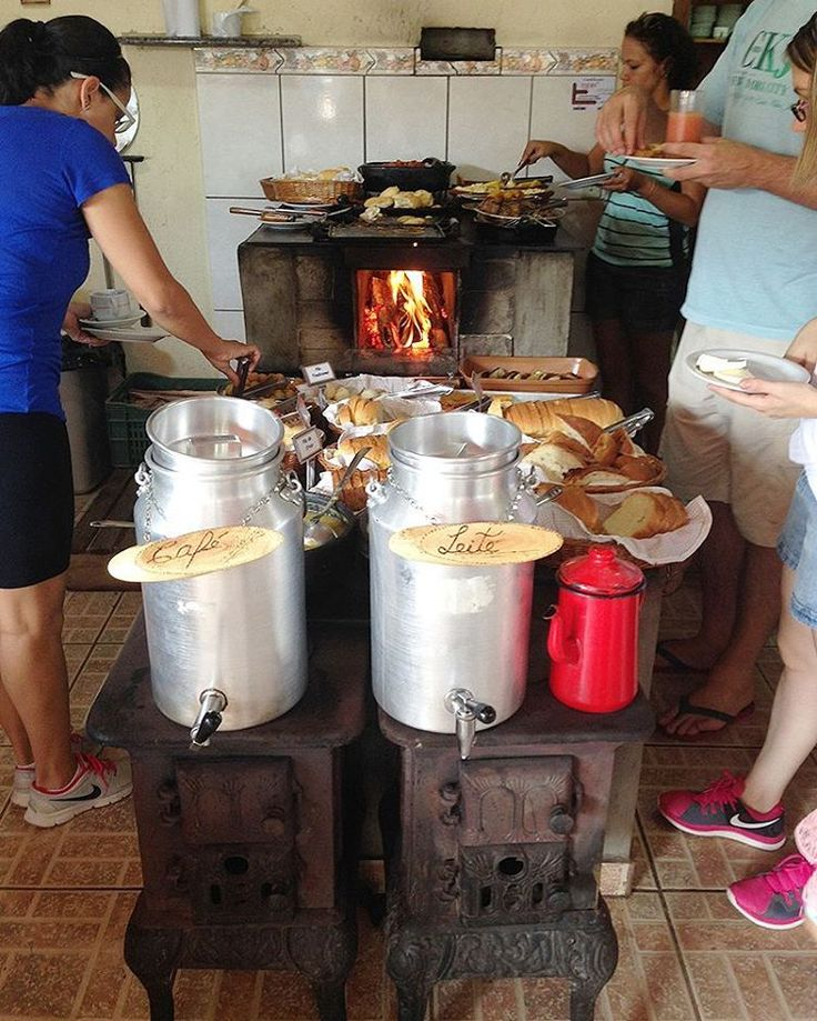 Um bom dia e uma excelente sexta-feira a todos!  Foto: Sítio Sassafraz em Itupeva  http://hamburguesinha.com.br/cafe-da-manha-no-sitio-sassafraz/ via @hamburguesinha  #culturacaipira #culturabrasileira #caipira #roca #daroca #rural #interior...