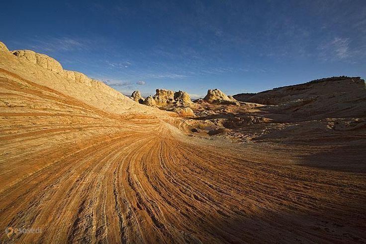 White Pocket – #Соединённые_Штаты_Америки #Аризона (#US_AZ) Аризона - такое необычное место, что кажется, будто это кусок какой-то другой планеты... Мы уже рассказывали и про Каньон Антилопы, и про геоформацию The Wave, сегодня очередь местечка под названием White Pocket.  #достопримечательности #путешествия #туризм http://ru.esosedi.org/US/AZ/1000046894/white_pocket/