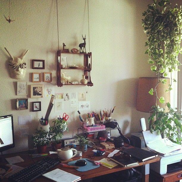 desk of artist & writer Kira Sheker