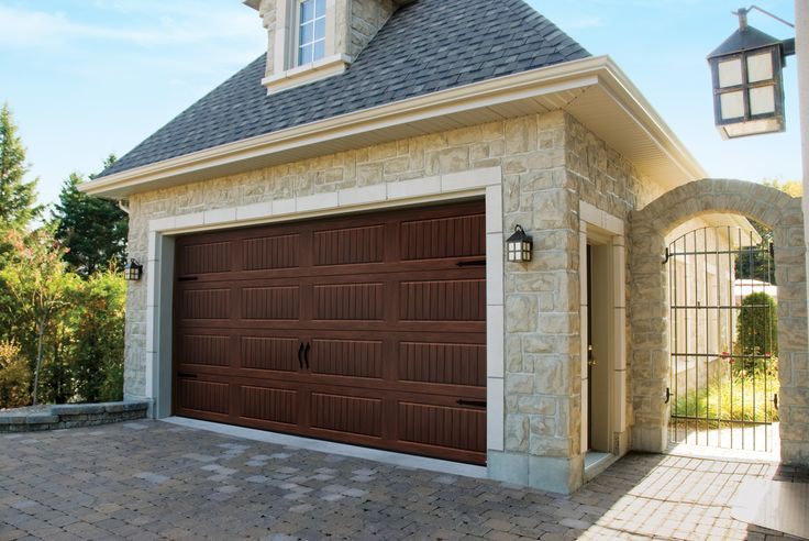 Garage Door Model : North Hatley Carriage Style, American Walnut. Get a FREE QUOTE : http://www.automateddoorsystems.com/ca/get-a-quotation/