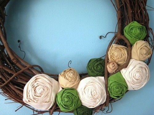 fabric rosette wreathe: Doors Ideas, Doors Wreaths, Color Schemes, Diy Wreaths, Blue Front Doors, Fabrics Rosette, Felt Flower, Grapevine Wreaths, Rosette Wreaths