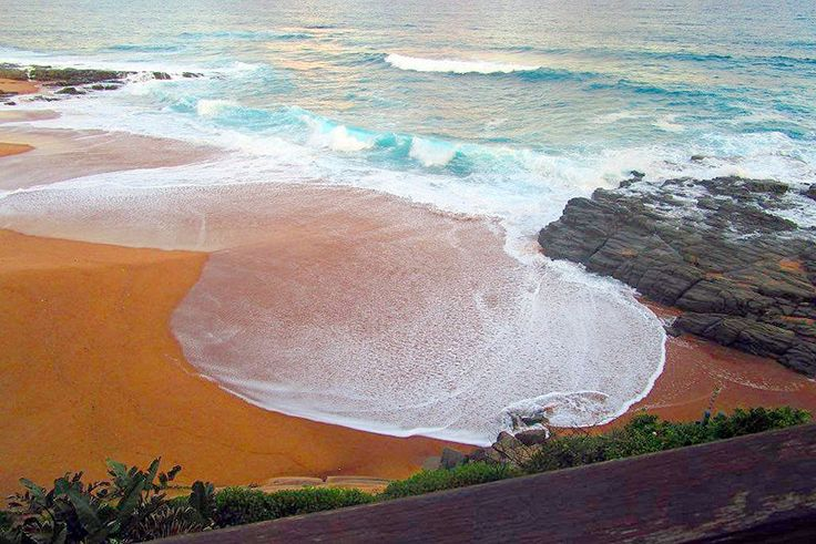 17 Dorado Bay Self Catering Holiday Apartment In Tinley Manor, KZN North Coast See more on https://goo.gl/UqjeMY  On the peaceful shores of Tinley Manor, Darodo Bay is best described as an exquisite holiday hideaway. Here you indulge in panoramic views of the Indian Ocean, forget all the stresses and worries of everyday life and become totally absorbed in the beauty of your surrounds. 17 Dorado Bay is a chic beach apartment with all the comforts of home to make your stay enjoyable.