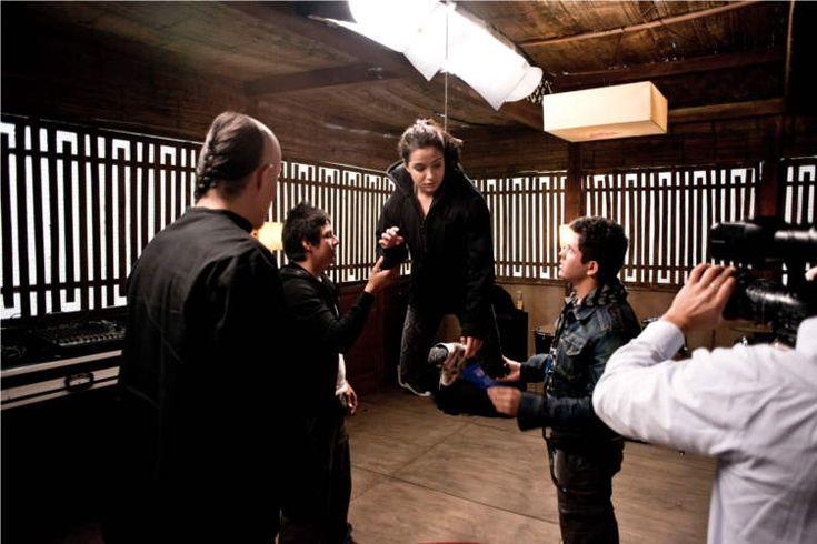 Da martedi 6 maggio 2014 su FOX arriva CUMBIA NINJA, la serie teen che mescola musica rap e arti marziali.