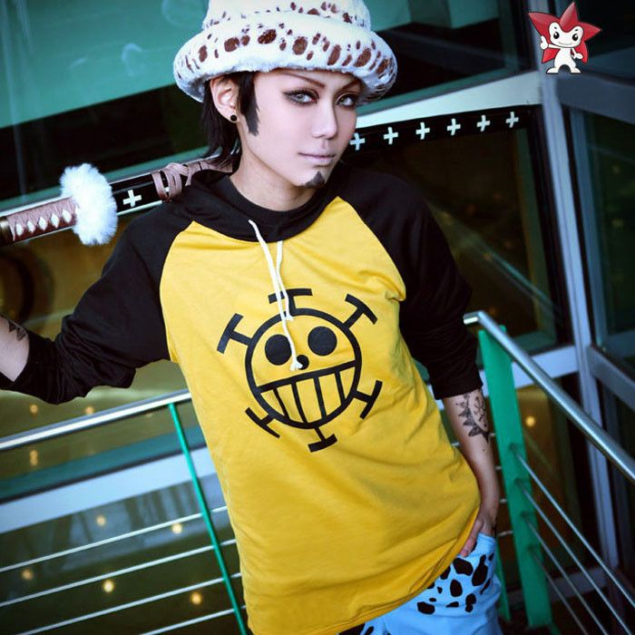 Cosplay: Trafalgar D. Law: Aqui trobem un cosplay de la serie d'anime One piece del personatje Law.