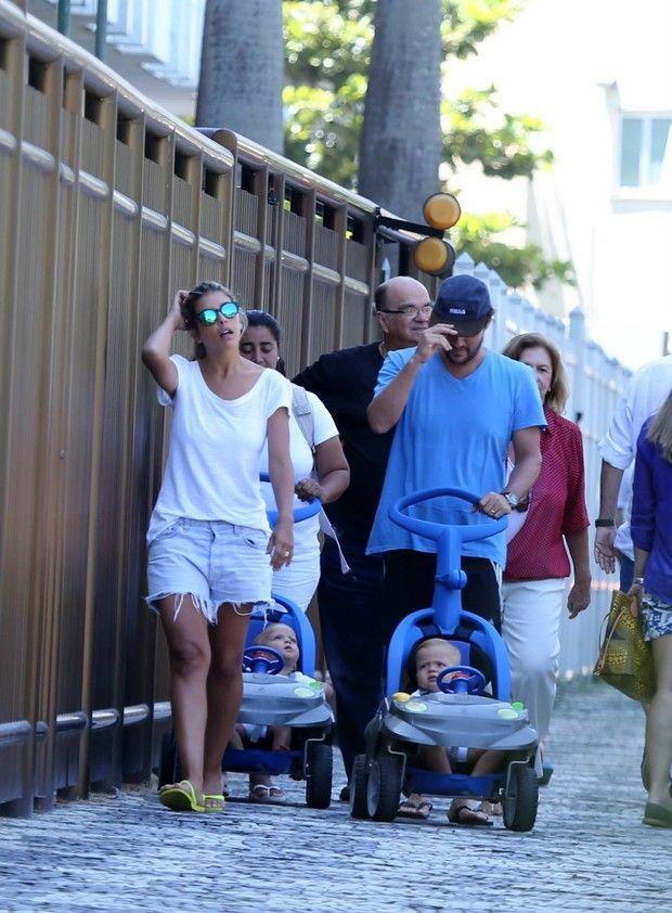 Marcelo Serrado e familia (Foto: André Freitas/AgNews)