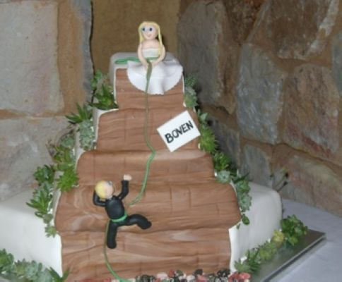 rock climbing wedding cake toppers a and groom repelling the cake custom wedding 19248