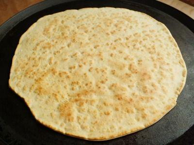 La piadina è forse una delle ricette più tradizionali e più note della cucina romagnola. Una vera delizia sia accompagnata da salumi che da formaggi.