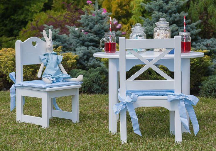 Stolik dziecięcy okrągły, mini krzesełko Kros, krzesełko z serduszkiem