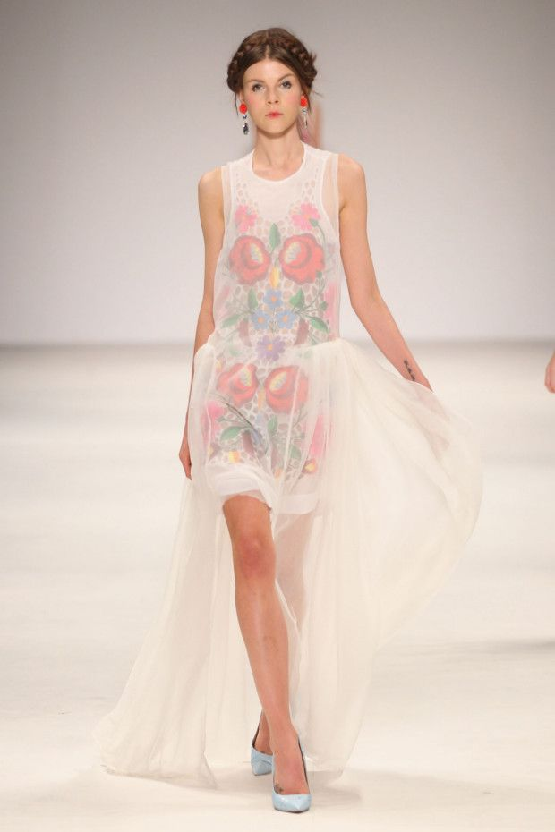 Alice McCall. 2012-13 Russian Nesting Doll inspiration. Sheer draping over an simple dress.Wedding Dressses, Alice Mccall, Vogue Australia, Fashion Show, Australian Fashion, Fashion Blog, Nests Dolls, Mccall Ss, Bohemian Gypsy
