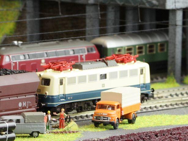 Modellbahneisebahnanlage bauen                                                                                                                                                      Mehr