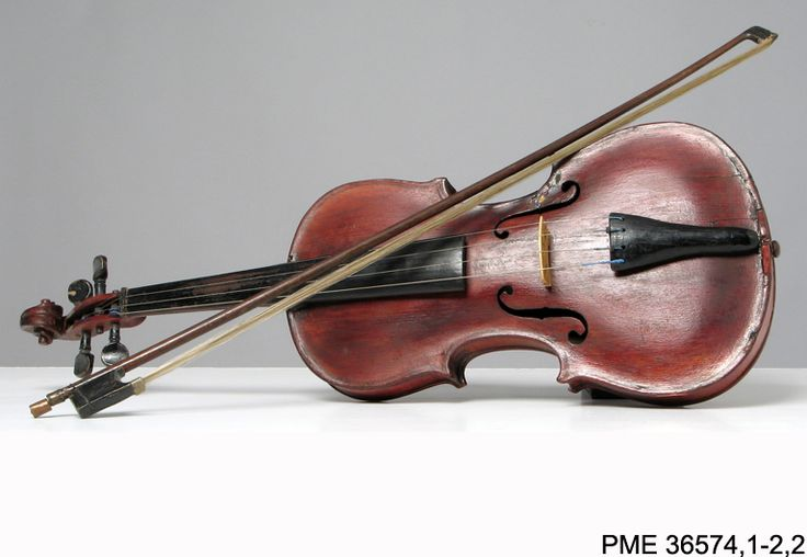 #Skrzypce -kolekcja #ethnomuseuminwarsaw #violin #instruments