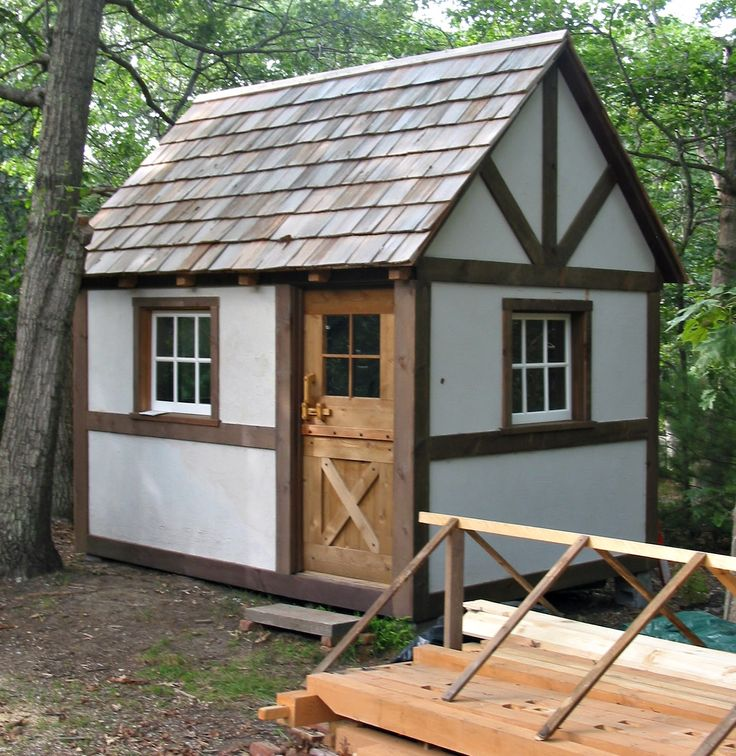 """22 Beautiful Wood Cabins And Small House Designs For Diy: DIY Studio! Book With Plans, """"Tiny Homes"""" By Lloyd's Blog"""