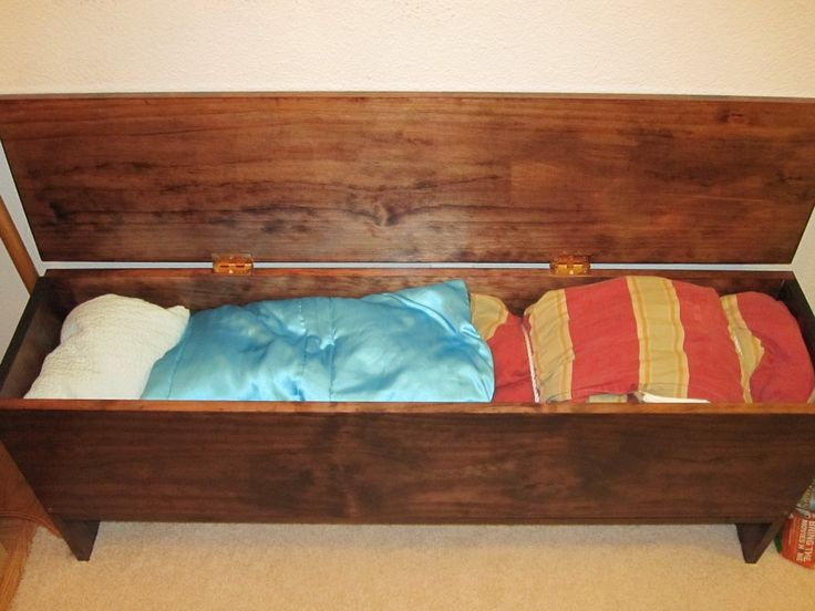 Find out how anyone can make this beautiful bench. Its real wood and can hold at least 2 king size comforters inside.