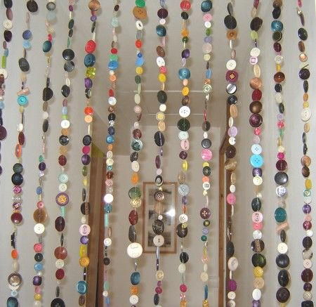 A very crafty, and resourceful project for entryways and curtains. I want to try this!