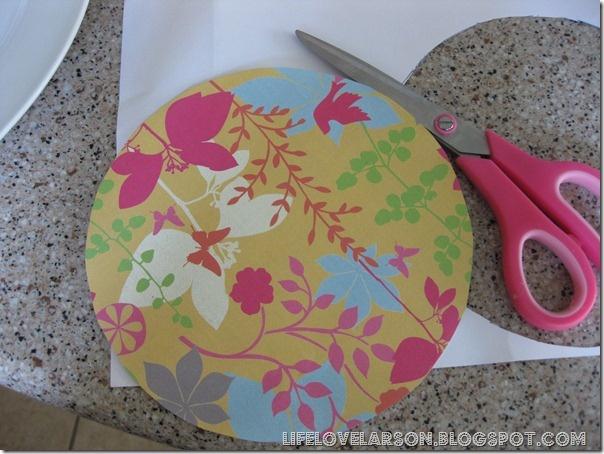 Con las sobras de papel pintado...YO ME HAGO UNOS CUADROS | Decorar tu casa es facilisimo.com