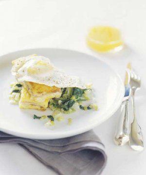 Zabudnite na stereotypné raňajky - Chrumkavá šunkovo-syrová polenta | HNstyle.sk