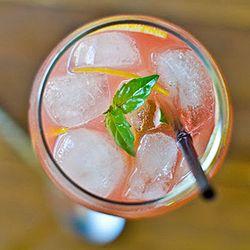 Refresco de melancia com água tônica