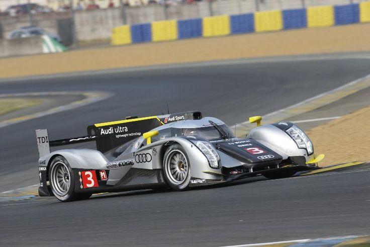 2012 Marc Gené, Romain Dumas (FR) y Loic Duval (FR) con Audi R18 Ultra 5º absoluto y en su clase (LMP1)