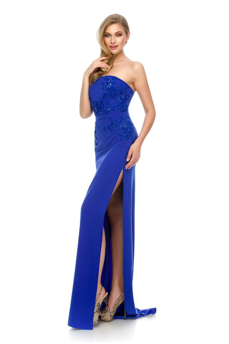 Electrifying beauty    ORIANA evening dress by Athena Philip >>> www.athenaphilip.ro