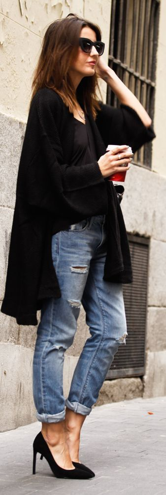 Blue Distressed Rolled Up Jeans by Lovely Pepa