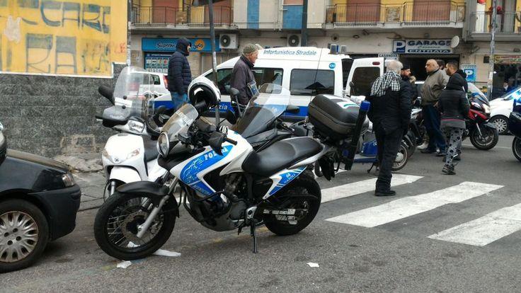 Napoli, Polizia Municipale: controlli sui motorini zona Piazza Nazionale