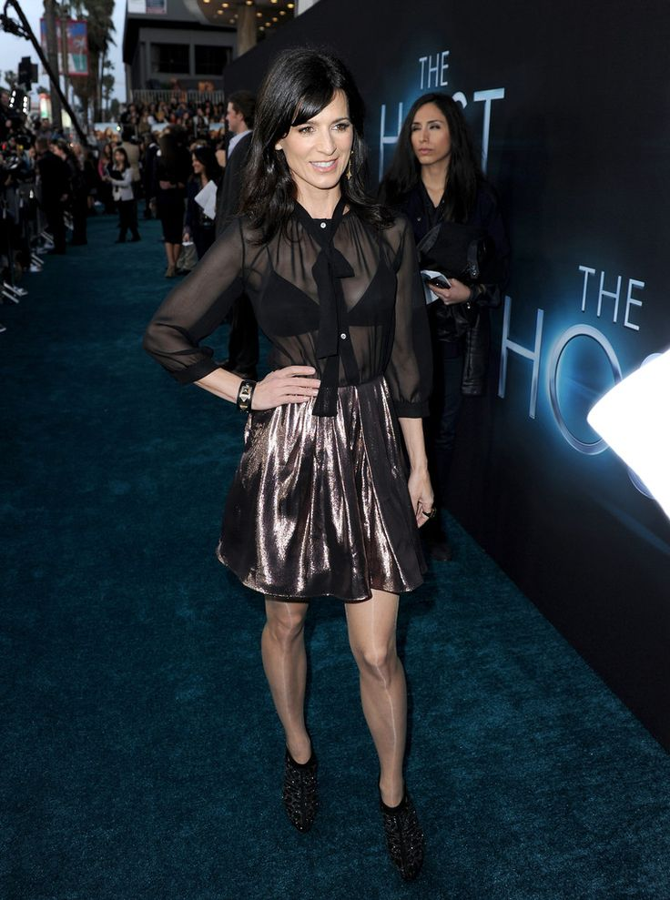 Perrey Reeves Mini Skirt - Mini Skirt Lookbook - StyleBistro