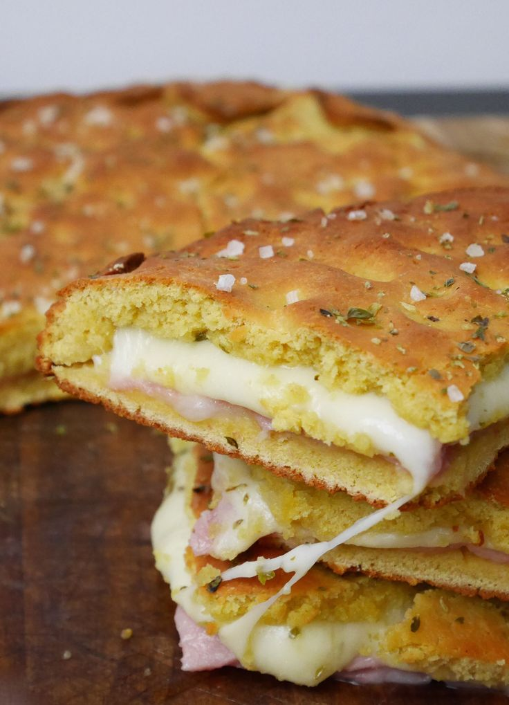 Chickpea flour stuffed with ham and cheese