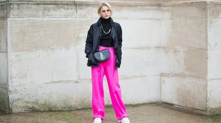 Bunt mit hohem Bund: Im Frühling tragen wir High-Waist-Hosen in knalligen Farben