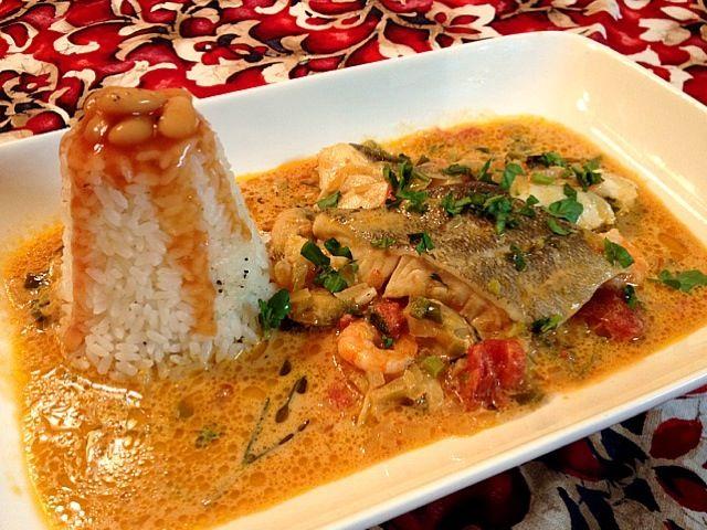 魚介と野菜、スパイスをココナッツミルクで煮混んだブラジルのお料理。ブラジル人の方が教えてくれました(*^^*) ハマりそうな美味しさです - 152件のもぐもぐ - ブラジル料理 ムケッカ by ゆぅ